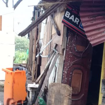 Ação da PM em favela do RJ destrói casas e revolta moradores